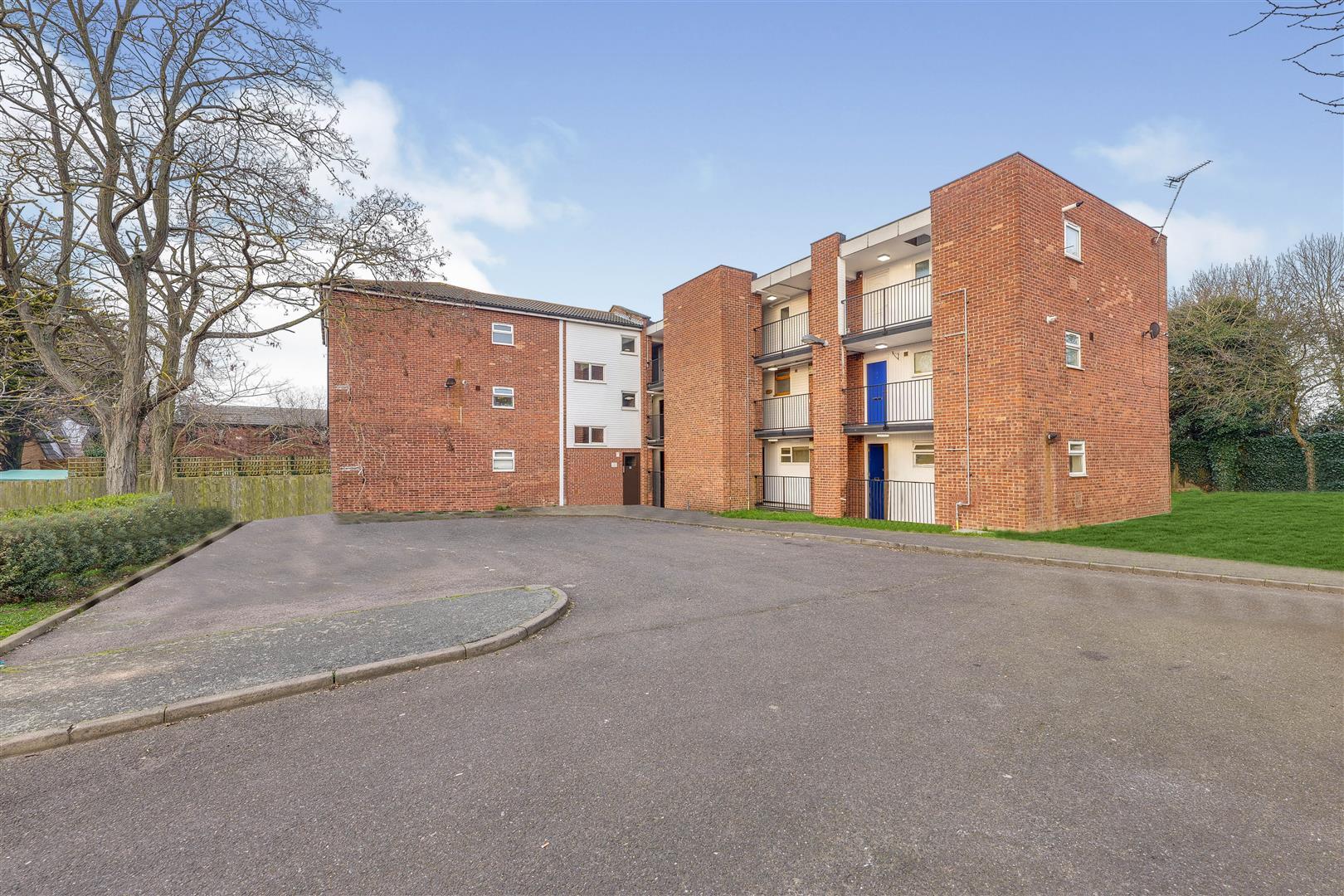 Appleford Court, Basildon